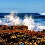 Wawamalu Waves