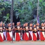 Singing the Samoan Anthem