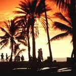 Laid back at sun set, Haleiwa beach